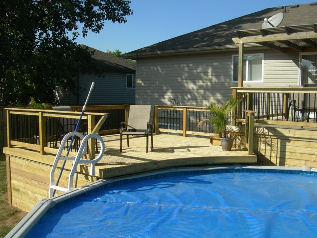 Pool deck overhang