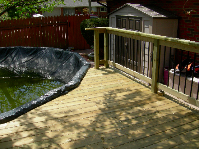 Closed pool deck
