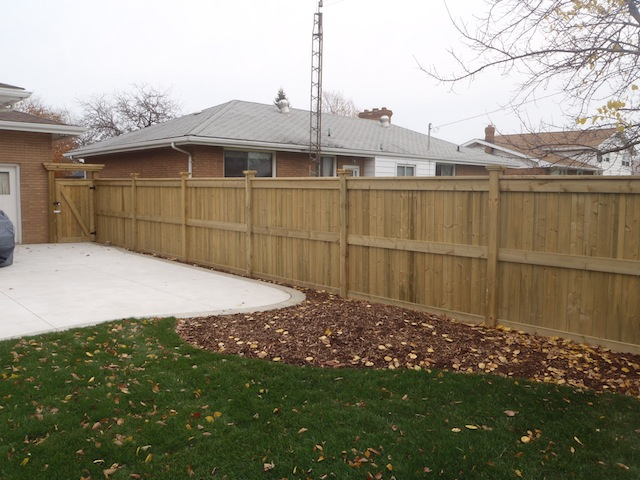 Full privacy windsor fence
