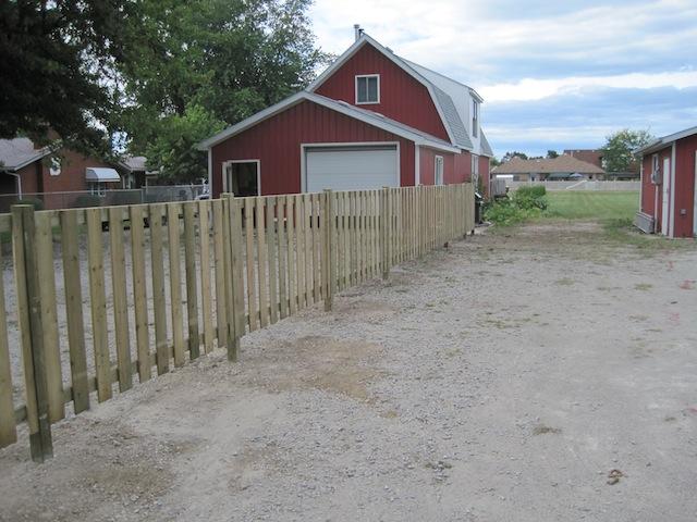 Small semi-privacy fence