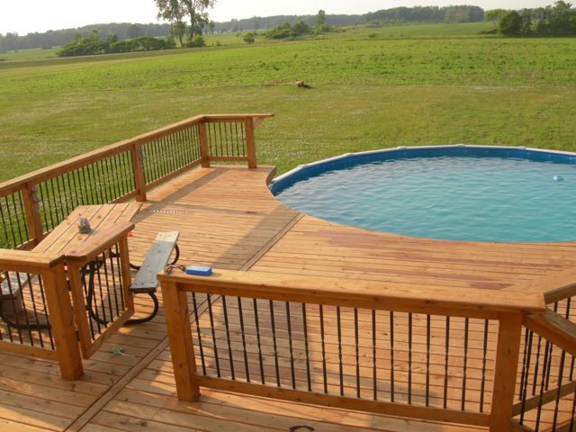 Kingsville pool deck