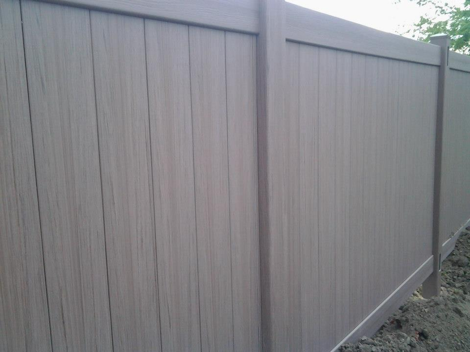 weathered blend vinyl fence in lasalle
