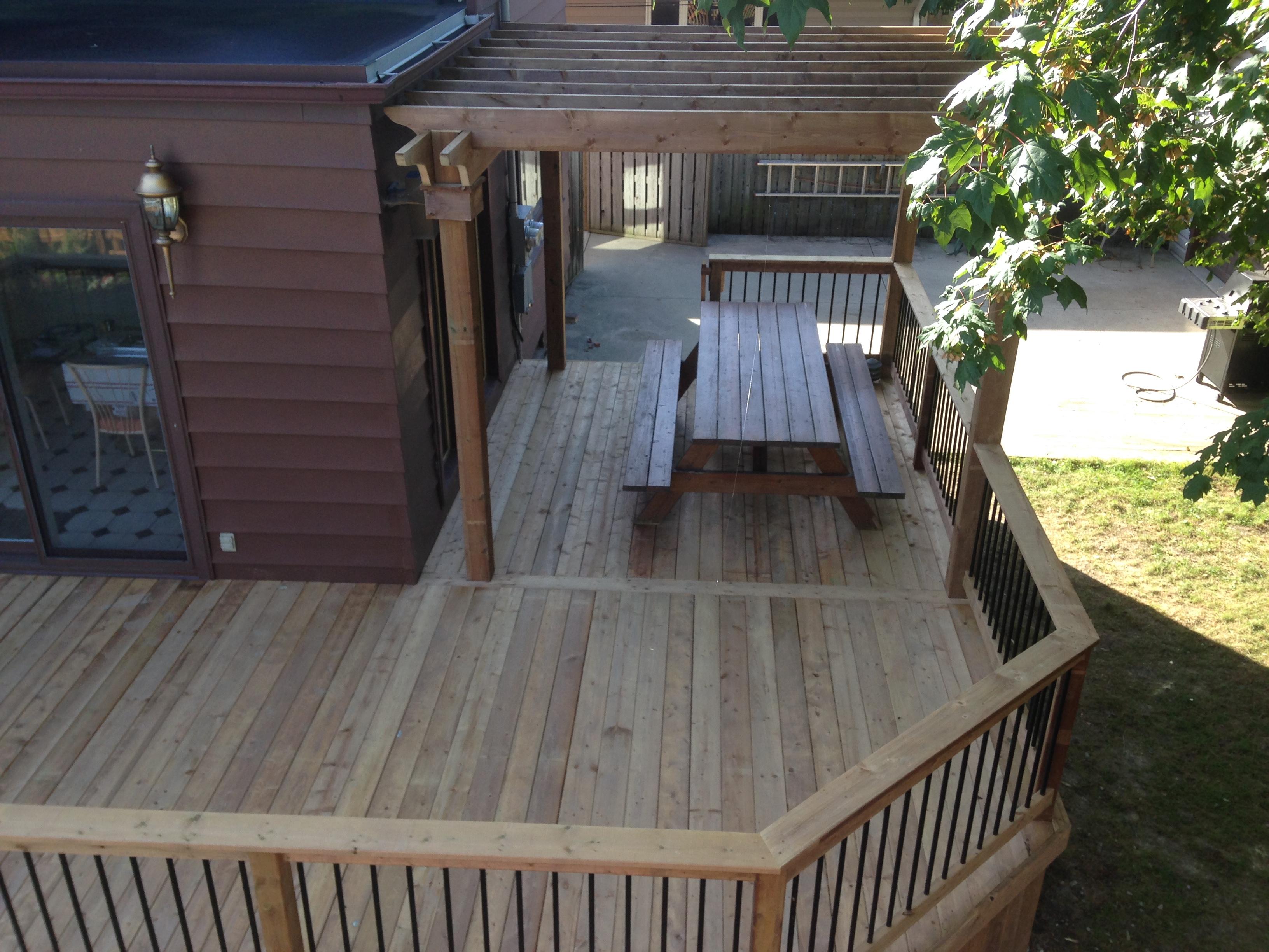 wood deck pergola