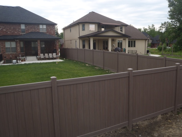 maintenance free vinyl fence