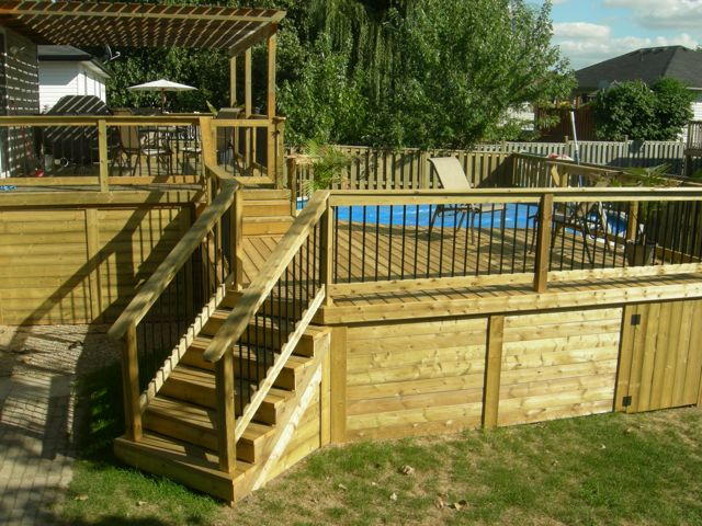 wood-deck-with-deckorator-railings | Decks and Fences by