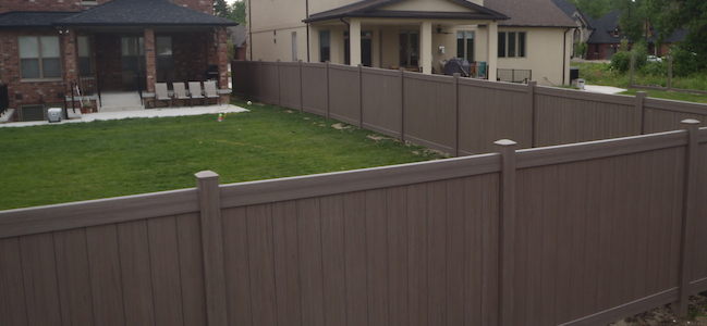 Bufftech weathered blend vinyl fence