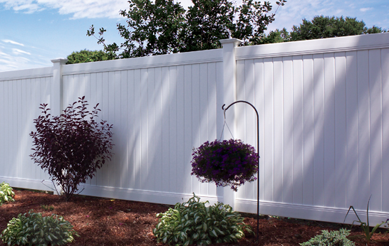 6' tall white vinyl fence
