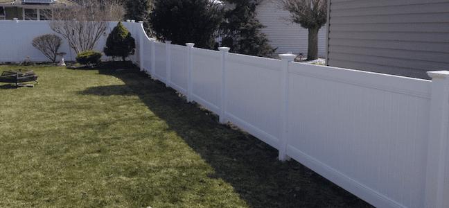 white vinyl fence in windsor on